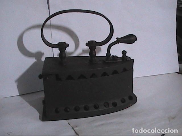 EXCELENTE PLANCHA ANTIGUA DE CARBÓN. PRINCIPIOS S.XX. MONDRAGÓN. (Antigüedades - Técnicas - Planchas Antiguas - Carbón)