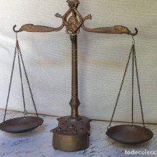 Antigüedades: ANTIGUA BALANZA DE PRECISIÓN. Lote 182123960