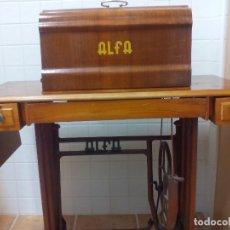 Antigüedades: MÁQUINA DE COSER ALFA. Lote 182162171
