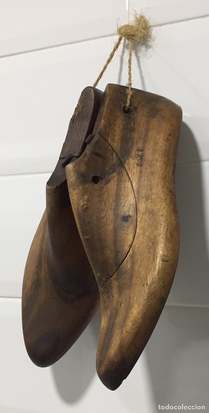 Antigüedades: ANTIGUAS HORMAS DE ZAPATOS EN MADERA MACIZA - Foto 2 - 182231083