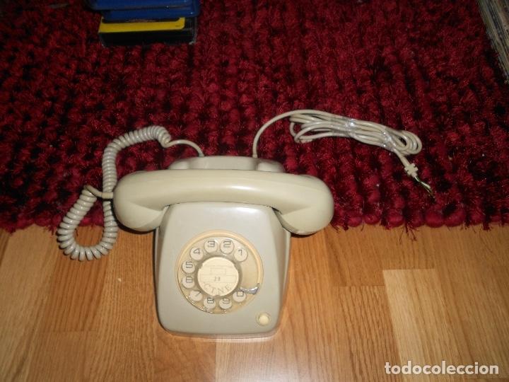 TELÉFONO DE RUEDA ANTIGUO COLOR GRIS - VINTAGE - MODELO HERALDO - CTNE BUEN ESTADO (Antigüedades - Técnicas - Teléfonos Antiguos)