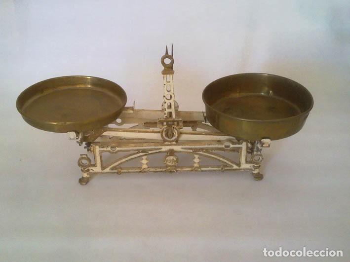 Antigüedades: Antigua balanza de hierro - Foto 2 - 182317256