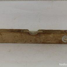 Antigüedades: NIVEL ANTIGUO DE MADERA. Lote 182344107