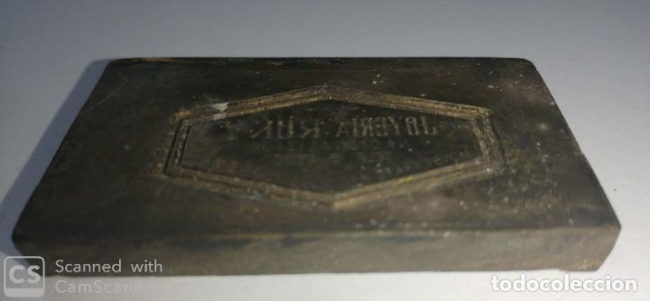 Antigüedades: CUBA. PRE REVOLUCION. HABANA. SELLO DE BRONCE. JOYERIA RUKY. MED : 5.5 X 3.5 CM APAROX. - Foto 2 - 182375178