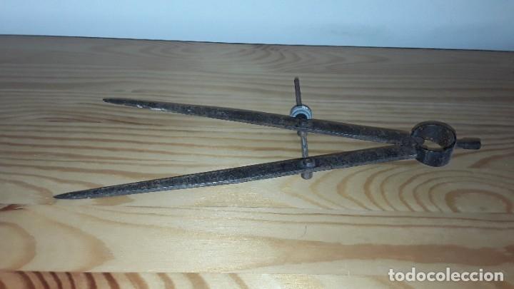 Antigüedades: Antiguo compás de hierro - Foto 5 - 182432473