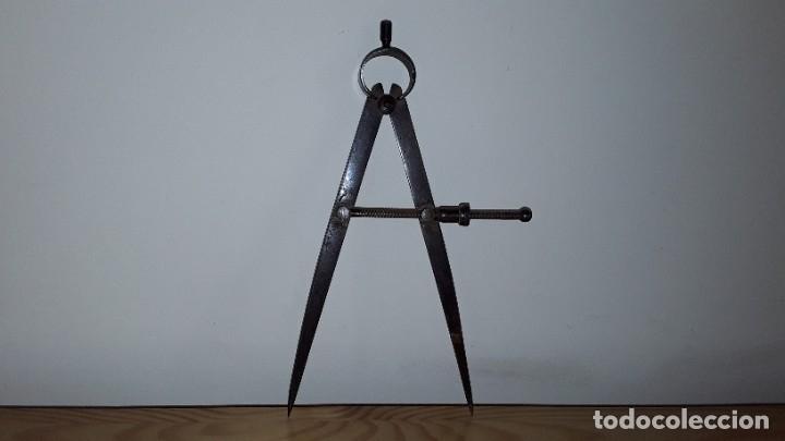 Antigüedades: Antiguo compás de hierro - Foto 4 - 182432520