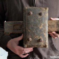 Antigüedades: ANTIGUA Y ESPECTACULAR CERRADURA DE MADERA CON LLAVE DE HIERRO * PIEZA ETNOGRÁFICA. Lote 182476645