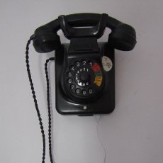 Teléfonos: TELÉFONO DE MESA ALEMÁN ANTIGUO DE BAQUELITA MODELO W49 CONVERTIBLE MESA PARED AÑO 1949 Y FUNCIONA. Lote 182478706