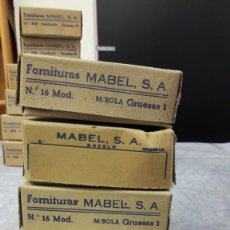 Antigüedades: FORNITURA MABEL PARA FORRAR BOTONES. LOTE 4 CAJAS, MEDIA BOLA. LLENAS. MEDIDA 16 (III). Lote 182494537