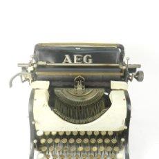 Antigüedades: MAQUINA DE ESCRIBIR AEG AÑO 1915 TYPEWRITER SCHREIBMASCHINE. Lote 182503136
