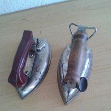 Antigüedades: 2 ANTIGUAS PLANCHAS ELECTRICAS. Lote 182548735
