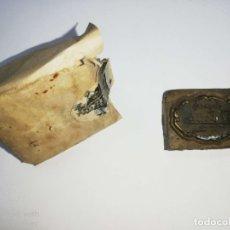 Antigüedades: CUBA. PRE REVOLUCION. SELLO DE BRONCE. JOYERIA EL ESTILO.. MED : 3.5 X 2.5 CM APROX.. Lote 182568386
