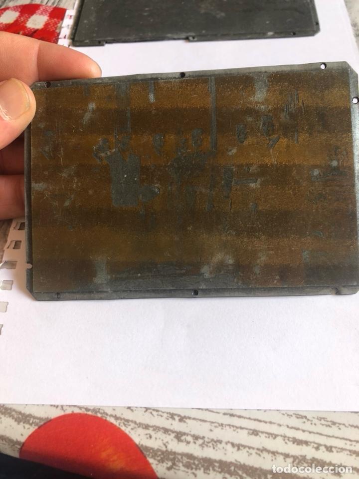 Antigüedades: Lote de tres placas metálicas, para imprenta o fotografías - Foto 4 - 182584595