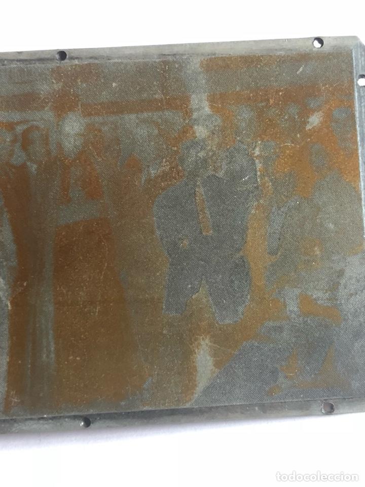 Antigüedades: Lote de tres placas metálicas, para imprenta o fotografías - Foto 8 - 182584595