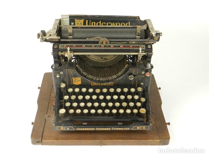 Antigüedades: MAQUINA DE ESCRIBIR UNDERWOOD Nº5 AÑO 1915 TYPEWRITER SCHREIBMASCHINE - Foto 4 - 182603403