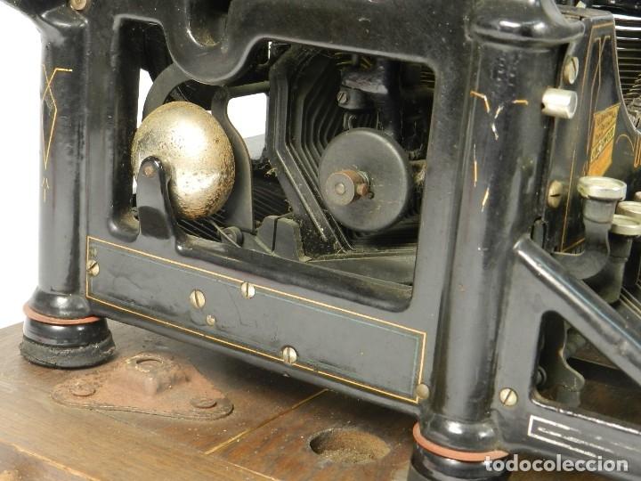 Antigüedades: MAQUINA DE ESCRIBIR UNDERWOOD Nº5 AÑO 1915 TYPEWRITER SCHREIBMASCHINE - Foto 10 - 182603403