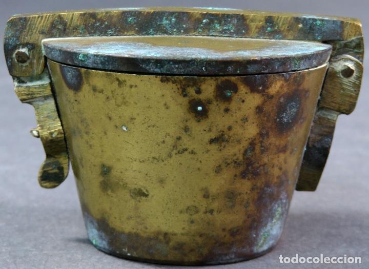Antigüedades: Ponderal en bronce dorado de 500 gramos con ocho medidas anidadas finales del siglo XIX - Foto 3 - 182606600