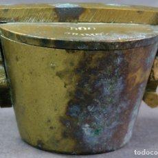 Antigüedades: PONDERAL EN BRONCE DORADO DE 500 GRAMOS CON OCHO MEDIDAS ANIDADAS FINALES DEL SIGLO XIX. Lote 182606600