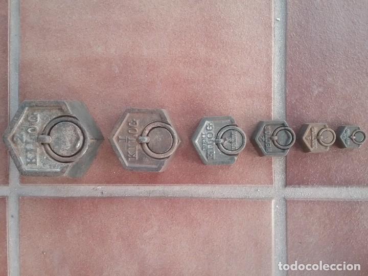 COMPLETO LOTE DE PESAS HEXAGONALES PARA BALANZA 2KG,1KG,0.5KG,0.2KG,0.1KG,0.05KG SELLADAS (Antigüedades - Técnicas - Medidas de Peso Antiguas - Otras)