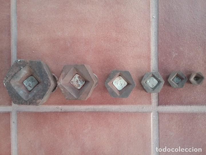 Antigüedades: Completo lote de pesas hexagonales para balanza 2kg,1kg,0.5kg,0.2kg,0.1kg,0.05kg selladas - Foto 2 - 182632026