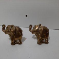 Antigüedades: 2 BONITOS TIRADORES DE LATON O BRONCE EN FORMA DE ELEFANTE, TIRADORES O PERCHAS, PERCHEROS.. Lote 182699823