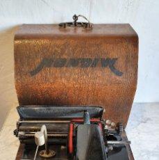 Antigüedades: ANTIGUA MAQUINA DE ESCRIBIR. Lote 182717818