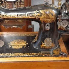 Antigüedades: MÁQUINA DE COSER SINGER AÑOS 20. Lote 182837495