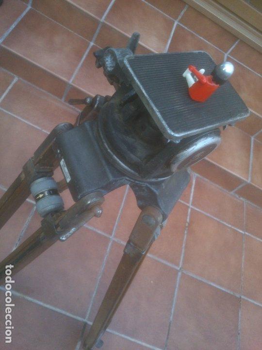 Antigüedades: ANTIGUO TRÍPODE RTVE EXTENSIBLE DE MADERA PARA CÁMARA DE TELEVISION - Foto 26 - 182882297