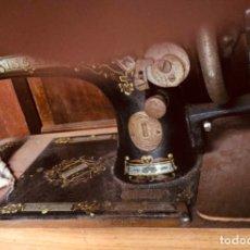 Antigüedades: MAQUINA DE COSER SINGER. Lote 182905125