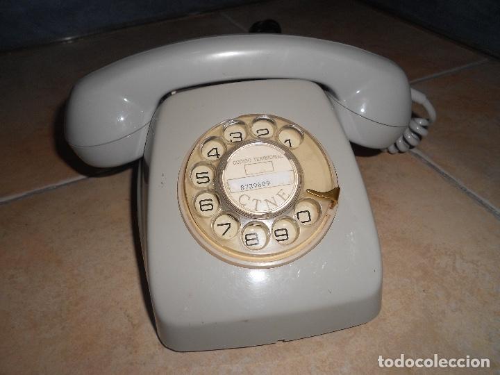 TELÉFONO DE RUEDA ANTIGUO COLOR GRIS - VINTAGE - MODELO HERALDO - CTNE BUEN ESTADO CON CLAVIJA (Antigüedades - Técnicas - Teléfonos Antiguos)