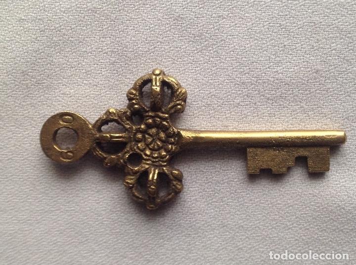 Antigüedades: DECORATIVA LLAVE CON NÚMEROS 6 0 - Foto 2 - 183027821