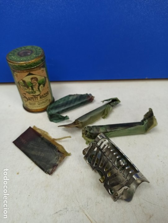 IMPRESIONANTE MAQUINILLA DE AFEITAR SAFETY RAZOR EN CAJA METALICA ORIGINAL (Antigüedades - Técnicas - Barbería - Maquinillas Antiguas)