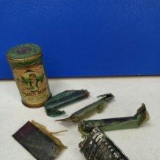 Antigüedades: IMPRESIONANTE MAQUINILLA DE AFEITAR SAFETY RAZOR EN CAJA METALICA ORIGINAL. Lote 183175050
