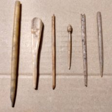 Antigüedades: EST- LOTE DE SEIS INSTRUMENTOS DE HUESO DE 5 A 12 CTMS. MÉDICO MEDICINA ?? PERFUME. Lote 183275308