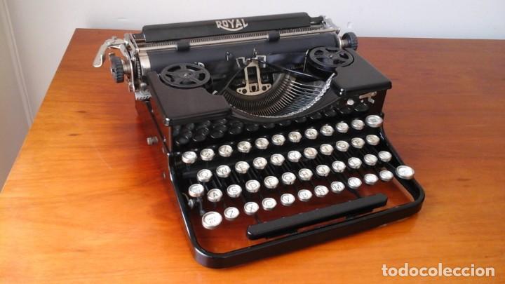 Antigüedades: Máquina escribir Royal portable n° 1 - Foto 2 - 183381951