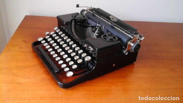 Antigüedades: Máquina escribir Royal portable n° 1 - Foto 3 - 183381951
