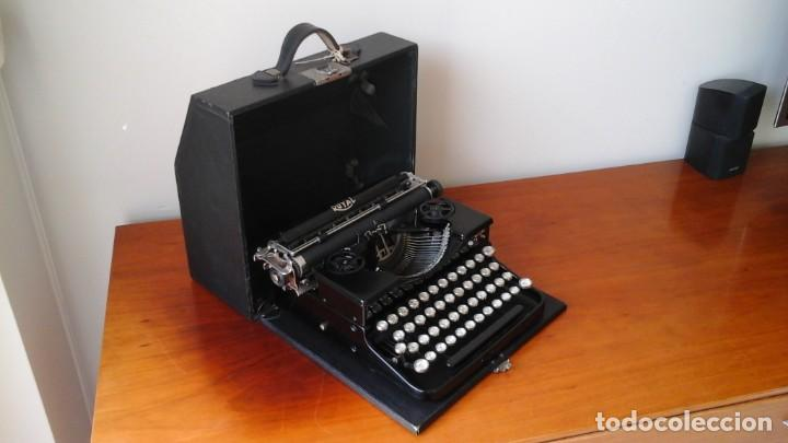 Antigüedades: Máquina escribir Royal portable n° 1 - Foto 5 - 183381951