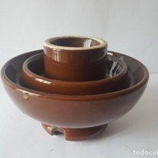 Antigüedades: GRAN JICARA AISLANTE DE PORCELANA MARRON - PESA 2,3 KILOS / MUY GRANDE / ,ARCAJES / PERFECTA!!!!!. Lote 183402332