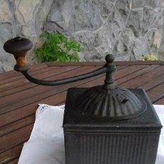 Antigüedades: MOLINILLO DE CAFE ANTIGUO EN HIERRO FORJADO. Lote 183430587