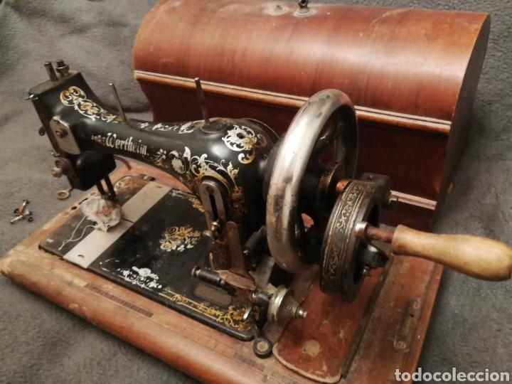 Antigüedades: Maquina coser portatil wertheim - Foto 2 - 183467873