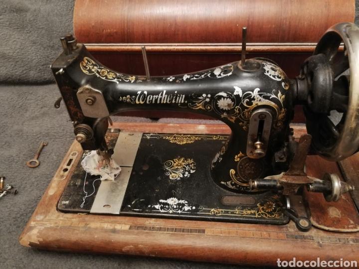 Antigüedades: Maquina coser portatil wertheim - Foto 3 - 183467873