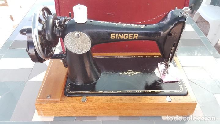 Antigüedades: Máquina de coser Singer antigua año 1920, cose bien - Foto 10 - 183480673