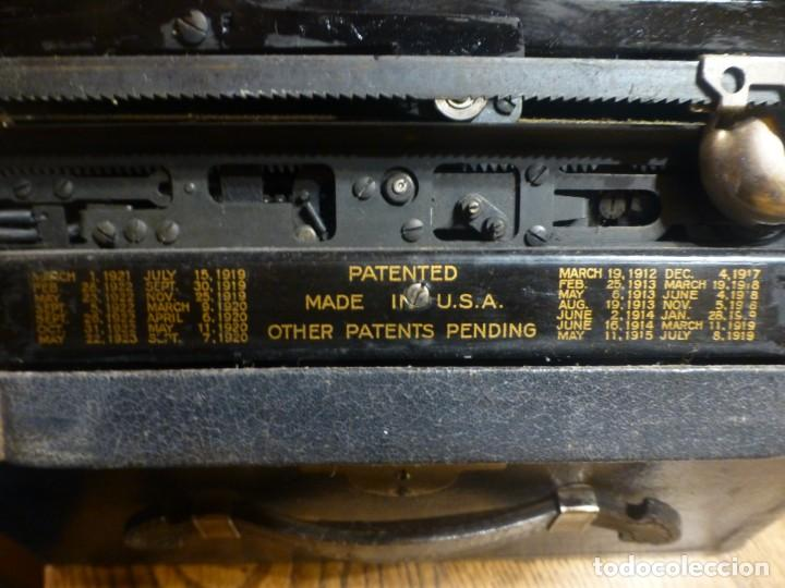 Antigüedades: Máquina de escribir portatil antigua Underwood completa. 1915 - Foto 6 - 142664314