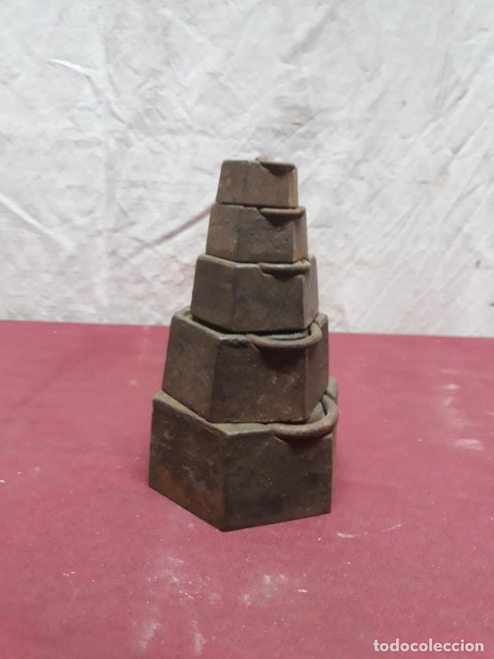 JUEGO PESAS HIERRO ... 2 KG.... 1/8 HECTO (Antigüedades - Técnicas - Medidas de Peso Antiguas - Otras)