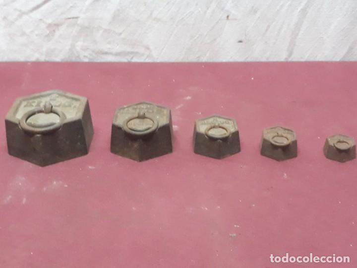 Antigüedades: JUEGO PESAS HIERRO ... 2 KG.... 1/8 HECTO - Foto 6 - 183494436