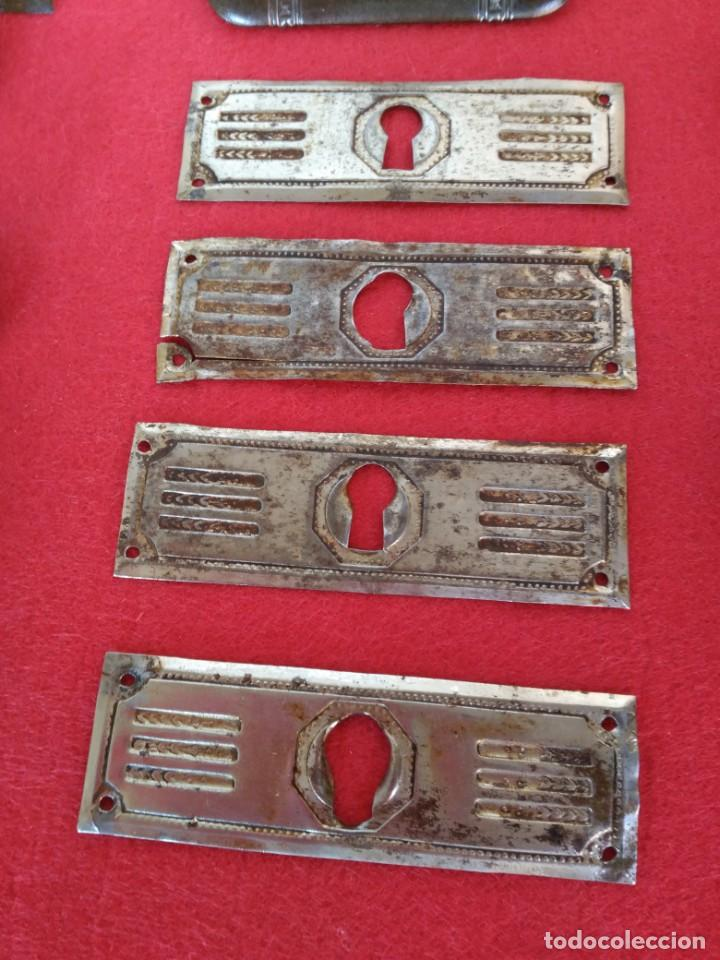Antigüedades: Lote de tiradores y bocallaves - Foto 2 - 183618601