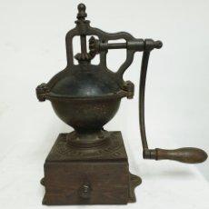 Antigüedades: MOLINILLO DE CAFÉ PEUGEOT. Lote 183655208