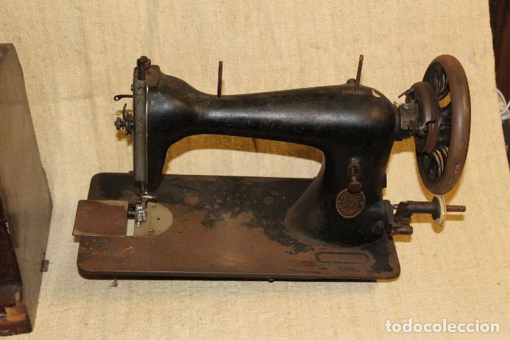 Antigüedades: maquina de coser con caja - Foto 2 - 183659578