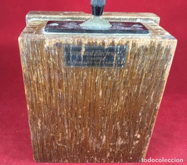 Teléfonos: Antigua llave conmutadora, de madera, para uso telefónico, de Standard Eléctrica, para la CTNE - Foto 3 - 183662572