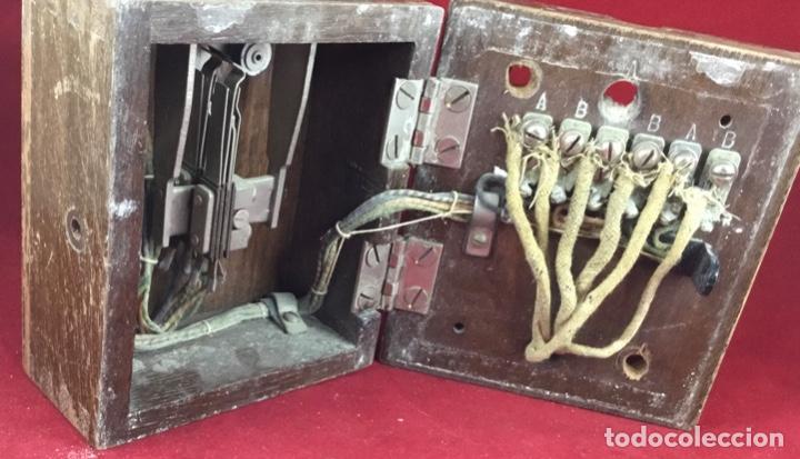 Teléfonos: Antigua llave conmutadora, de madera, para uso telefónico, de Standard Eléctrica, para la CTNE - Foto 5 - 183662572
